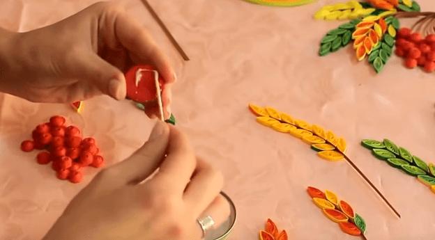 Изготовление бумажной веточки рябины