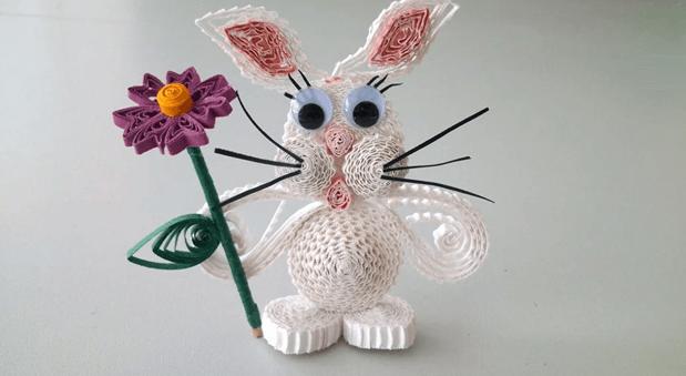 Зайчик с цветком