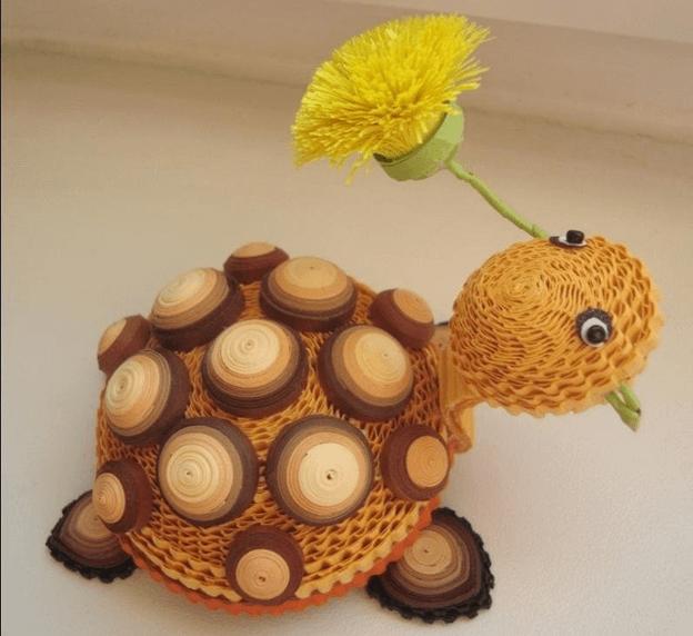 Черепаха с цветком