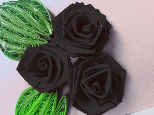 Черная роза из бумаги