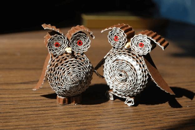 Две объемные совы из гофрокартона