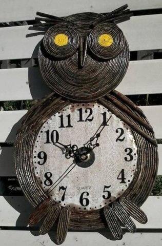 Оригинальная работа квиллинг часов в виде совы