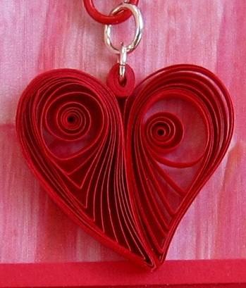 Пример подвески в виде квиллинг сердца