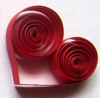 Изготовление сердца из бумажных полосок