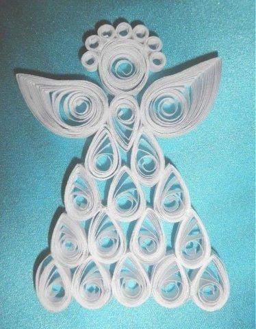 Готовая квиллинг поделка с изображением ангелочка