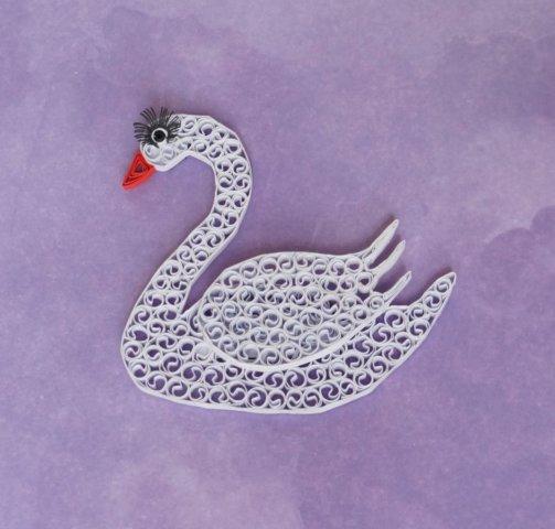 Пример готовой работы квиллинг лебедя