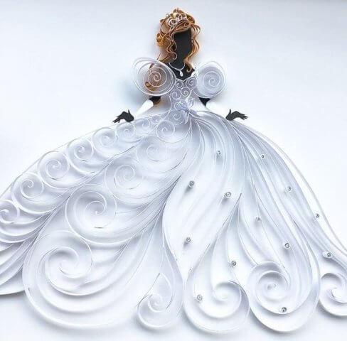 Готовая квиллинг поделка с платьем