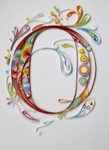 Объёмная бумажная буква О Русского алфавита в стиле квиллинга