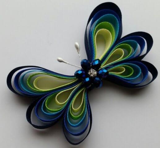 Готовая бабочка в технике квиллинг