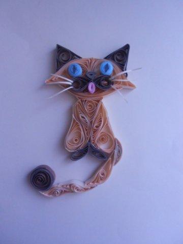 Готовый портрет домашнего котика в технике квиллинг