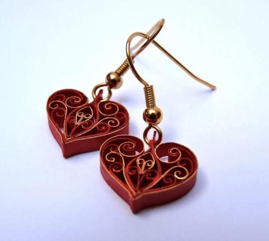Серьги-сердечки в технике квиллинг