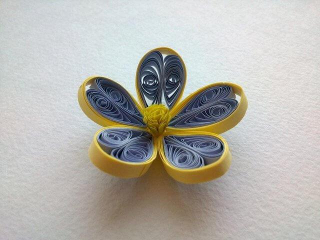 Готовый цветок в технике квиллинг