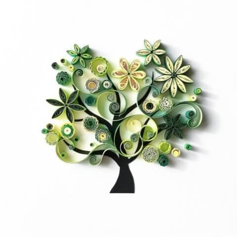 Пример дерева в стиле квиллинг для опытных мастеров
