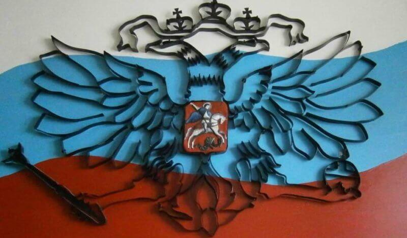 Герб России в контурной технике квиллинга