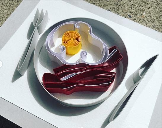 Яичница с беконом в технике квиллинг