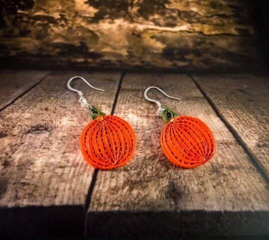 Апельсиновые сережки в технике квиллинг