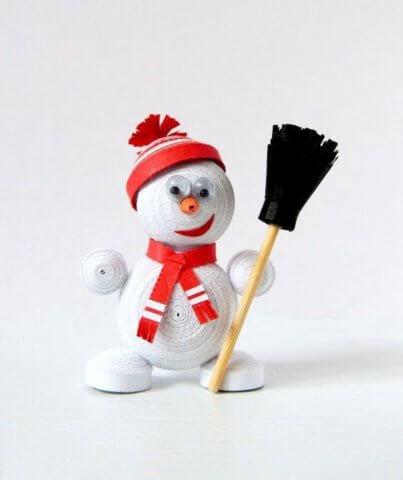 Снеговик в технике квиллинг