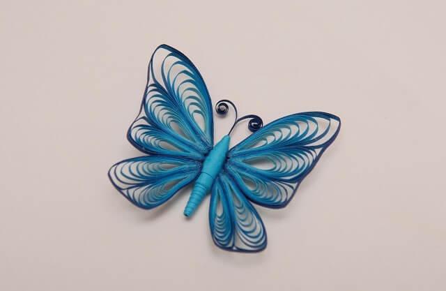 Готовая заколка с квиллинг бабочкой
