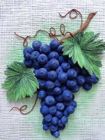 Гроздь винограда в технике квиллинг