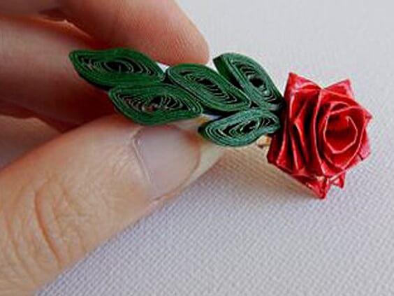 Готовая заколка с квиллинг цветочком
