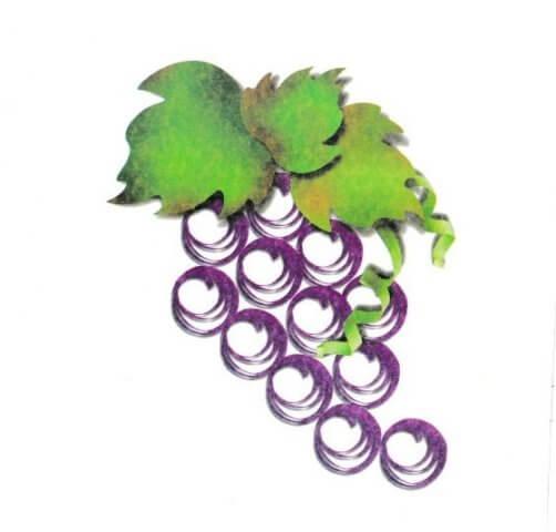 Готовая гроздь винограда в технике квиллинг