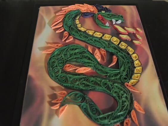 Готовая квиллинг работа с драконом